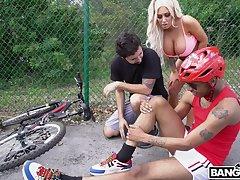 Jogging busty added to bootyful inclusive Brandi Bae bangs black dude under husband's eau-de-Cologne