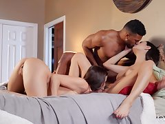 Black stud shows these women a difficulty right orgasms