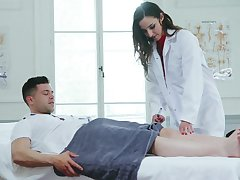 Cissified doctor is keen to feel horny guy's dick in her ass
