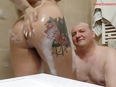 Real Amateurs Couple Mayra And Feo Take A Bath Vanguard Sleeping - Kirmess