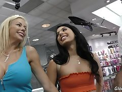 Alexis Fawx & Gina Valentina